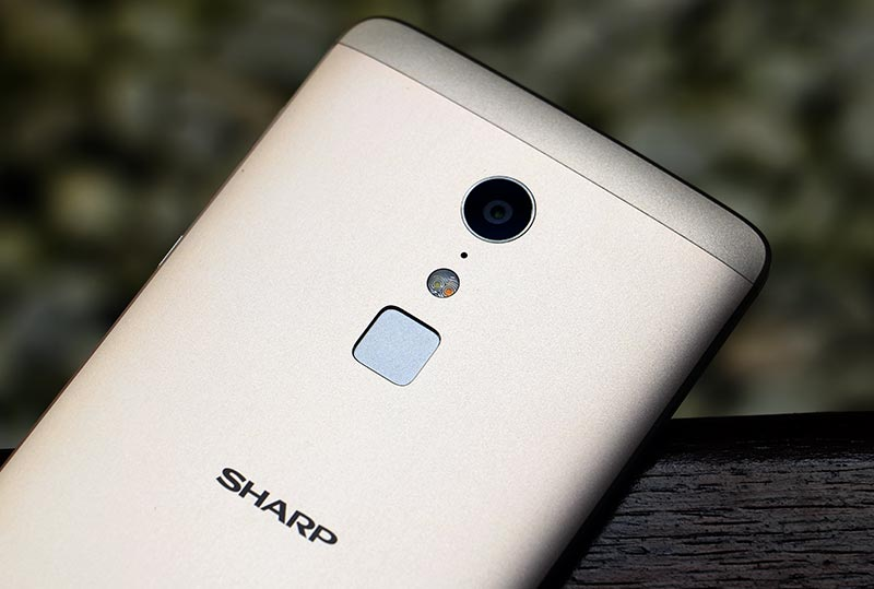 Review-Sharp-Z2